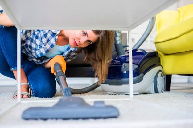 ashburn-home-cleaning-vacuum