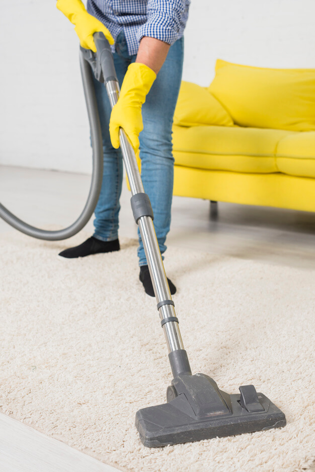 Ashburn-housekeeping-vaccum-carpet