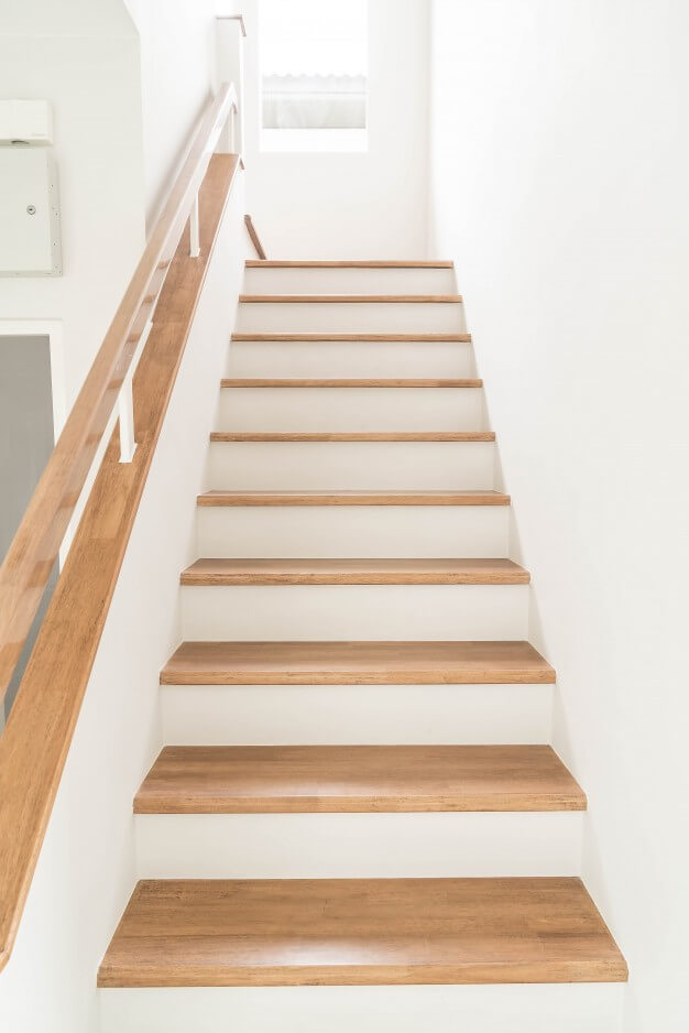 Post-Construction-Cleaning-Lincoln-Virginia-stairs